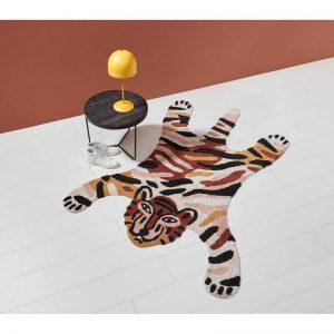 Handgeweven vloerkleed in de vorm van een tijger. Slijtvast